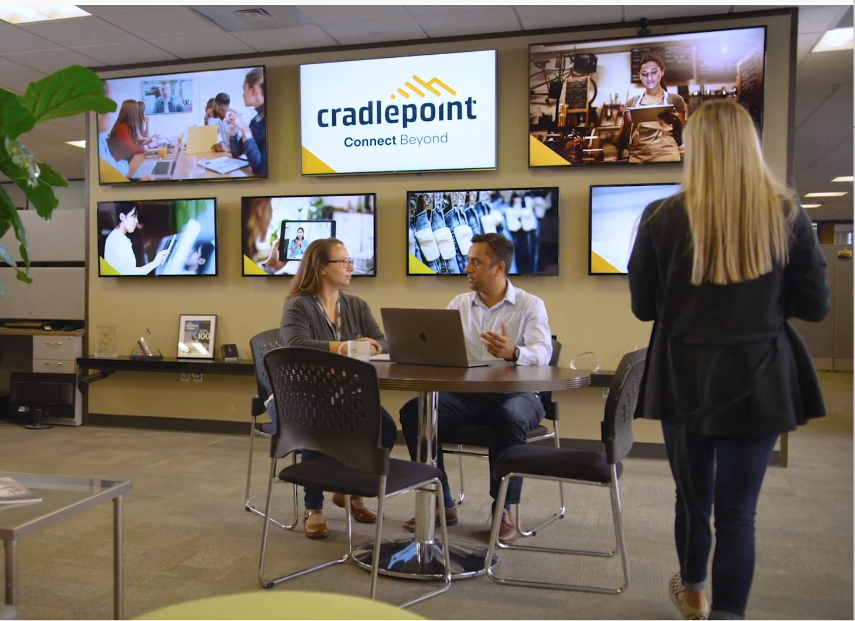IoT Plug and Play-Cradlepoint
