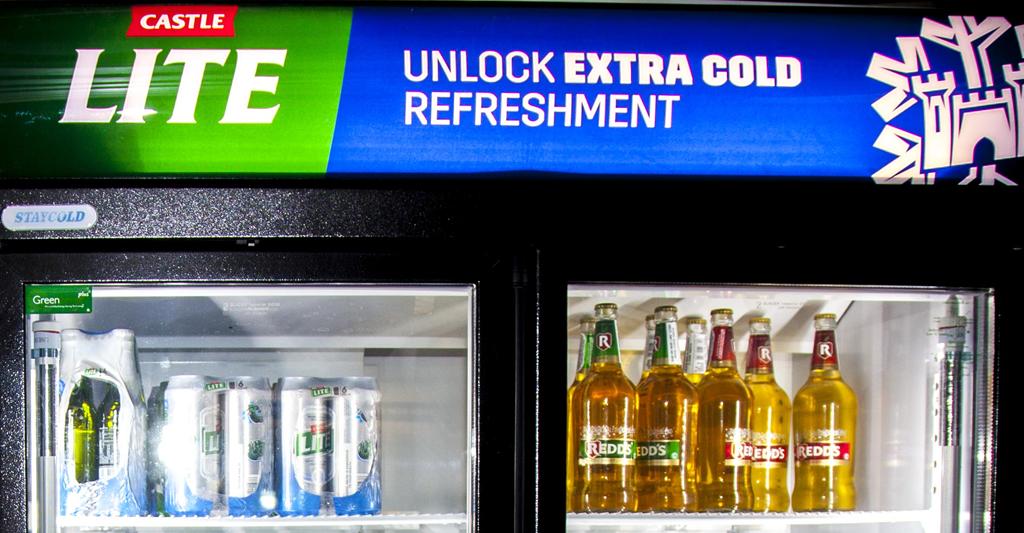 南アフリカ、ソウェトの居酒屋に配置されている Fridgeloc Connected Cooler